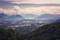 Annecy, lac, ville et montagne depuis le mont Salève (olivierurban) Tags: lac annecy