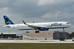 N942JB Airbus A321-231 KFLL 11-04-18 (MarkP51) Tags: n942jb airbus a321231 a321 jetblue b6 jbu fortlauderdale hollywood airport fll kfll airliner aircraft airplane plane image markp51 nikon d7200 sunshine sunny aviationphotography