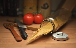 Italian food, spaghetti and tomato