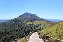 Le Puy de Dôme (raym5) Tags: puydedôme volcan worldheritagesite patrimoinemondial unesco francemétropolitaine