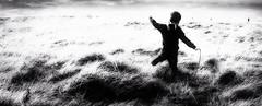 Evasion. (frederic.nobile) Tags: monochrome black white boy enfance dream evasion