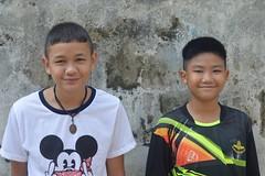 handsome boys (the foreign photographer - ฝรั่งถ่) Tags: jun112016nikon two handsome boys khlong thanon bangkhen bangkok thailand nikon d3200