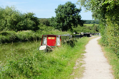 Kennet & Avon canal (ho_hokus) Tags: 2018 england fujix20 fujifilmx20 kennetavoncanal uk wiltshire barge canalboat summer waterway froxfield towpath