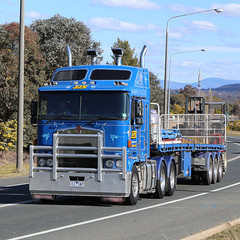 CANBERRA Kenworths (1/2) (Jungle Jack Movements (ferroequinologist)) Tags: kenworth cabover nose canberra giralang act australian capital territory tjs iht irwin hartshorn container side lift lifter forklift tail gator gater hp horsepower big rig haul haulage freight trucker drive transport carry delivery bulk lorry hgv wagon road highway semi trailer deliver cargo interstate articulated vehicle load freighter ship move roll motor engine power teamster truck tractor prime mover diesel injected driver cab cabin loud rumble beast wheel exhaust double b grunt