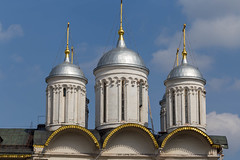 Domes of the Patriarch's Palace at Kremlin in Moscow (marcoverch) Tags: russia weltmeisterschaft reiseblogger fussball wm moskau fifa digitalnomad travel sport reisen football wm2018 russland stpetersburg moskva ru domes patriarchspalace kremlin moscow architecture diearchitektur religion church kirche sky himmel building gebäude cathedral dom reise dome kuppel old alt city stadt tower turm noperson keineperson tourism tourismus culture kultur outdoors drausen ancient cross kreuz exterior ausen turningpoint wendepunkt monument abandoned beer wings nikkor milkyway italia auto macromondays countryside holiday
