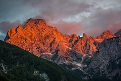 Slovenia / Slowenien: Ojstrica (CBrug) Tags: landschaft landscape berg mountain montagne slovenia slowenien ojstrica sonnenuntergang sunset himmel sky wolken clouds felsen rocks red rot alpen alps