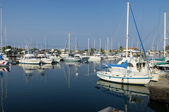 quiet marina (BarryFackler) Tags: kona westhawaii pacificocean hawaii marine 2018 sea outdoor island aquatic nautical boat boating sailboat vessel watercraft ship pacific polynesia ocean bigisland hawaiiisland motorvessels cabincruisers fishingboats reflections motorboats pleasureboats honokohauharbor slips docks marina harbor masts scene landscape tropical sandwichislands saltwater seawater hawaiicounty hawaiianislands konacoast barronfackler barryfackler sky water bay honokohausmallboatharbor