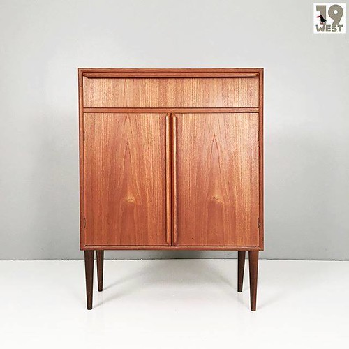 Danish teak tallboy from the 1960's, made by GV Mobler. Now available on www.19west.de. More info in our Instagram bio. We rarely read comments here. Please send a mail to info@19west.de. #19west #vintage #design #forsale #furniture #möbel #designklassike