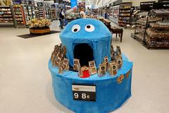 Cookie Monster display, Walmart 6-30-18 01 (anothertom) Tags: cedarrapidsiowa shopping walmart cookiemonster display bakerysection sesamestreetmuppet mouth 2018 sonyrx100v funny