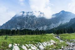 Wettersteingebirge und Zugspitze (Uli - www.auf-den-berg.de) Tags: berge mountains wandern hiking outdoors tirol tyrol zugspitzarena miemingerkette zugspitze wetterstein alpen alps