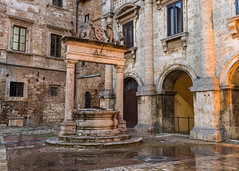 Montepulciano Well and Arches (dcnelson1898) Tags: montepulciano tuscany italy hilltown well borgiacrest