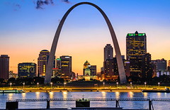 Meet me in St.Louis (ArmyJacket) Tags: stlouis missouri mississippiriver gatewayarch landmark city usa building midwest skyline urban sunset river water