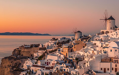 Sunset in the island (Vagelis Pikoulas) Tags: sun sunset cyclades kyklades oia santorini thira greece greek island islands travel landscape city cityscape urban town village houses house canon 6d tokina 2470mm january winter 2018