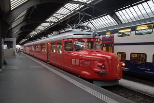 Rote Pfeil at Zurich HB