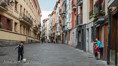 Correría Kalea, Vitoria-Gasteiz (Jose Antonio Abad) Tags: pública joséantonioabad paisajeurbano paisvasco arquitectura álava españa vitoria vitoriagasteiz euskadi es