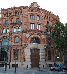 Central Catalana d'Electricitat (tgrauros) Tags: barcelona catalogne catalonia catalunya centralcatalanadelectricitat edificis arquitecturadelferro buildings architecture