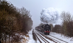 70013 (Peter Leigh50) Tags: 70013 oliver cromwell gunthorpe crossing steam locomotive rural rutland mist misty snow cold winter railway railroad rail class 7 462 train trees special march