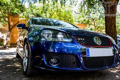 KDDSANTOS (PHOTOJMart) Tags: fuente del maestre jmart los santos de maimona kdd coches volkswagen sierra botellones gti azul