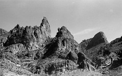 Desolation (geofroi) Tags: analog desert phoenix stx1n fujinon junk fujica manuallens 50mm f16 film argentique hiking kodak scan v600 d76 epson 400tmax