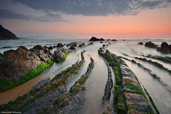 Always Barrika (Hector Prada) Tags: barrika mar sea sky cielo rocas rocks silks sedas agua water sunset atardecer verano summer paísvasco basquecountry