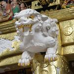Décor de la porte Yomei-mon du sanctuaire shinto Toshogu de Nikko (Japon) thumbnail