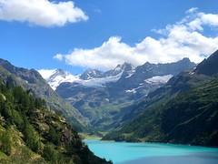 Aosta A024. (Joanbrebo) Tags: paisatge paisaje landscape clouds nuages nubes nuvols naturaleza natura nature montagne mountains montaña muntanya lake lago lac llac iphone365 iphonex italia valled'aosta lagodiplacemoulin
