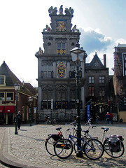 Bikes on chains (Silanov) Tags: eu europe netherlands nederland niederlande holland noordholland northholland nordholland dutch holländisch hoorn roodesteen statencollege westfriesmuseum ijsselmeer markermeer zuiderzee house haus building gebäude museum architecture architektur renaissance 17thcentury seventeenthcentury 17jahrhundert square platz façade front fassade historic historisch bikes bicycles cycles fiets fahrräder streetlight strasenlaterne old alt town city stadt harbourtown harbortown porttown seaport seaporttown hafenstadt lake see oldtown oldquarter historicdistrict altstadt landmark wahrzeichen cloudy bewölkt sky himmel capehorn kaaphoorn view ausblick aussicht summer sommer september 2017
