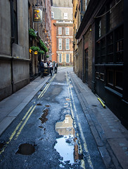 Walkers Alley (maberto) Tags: d7200 england europe london nikon uk alley bulding landscape people pub reflection sidewalk vacation water ©bradmaberto