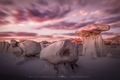 ● bisti badlands ● new mexico ● usa ● (Oliver Jerneizig) Tags: oliverjerneizigde wwwoliverjerneizigde oliverjerneizig usa us unitedstates america amerika nationalpark california newmexico washington oregon nevada arizona north wilderness sunset longexposure night citylights landscape landschaft canon 6d canon6d2 6dmark2 bisti badlands desert wüste alien head rocks sky himmel steine felsen sunrise long expore