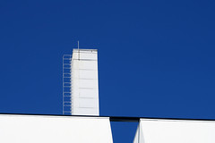 Dazzling (YIP2) Tags: warmtekrachtcentrale architecture architect tudelft delft heatandpowerplant building white facade abstract minimal minimalism simple less line linea detail pattern lines geometry design repetition blue contrast