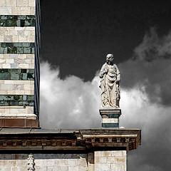 Duomo di Siena (pom'.) Tags: panasonicdmctz101 april 2018 siena italy italia tuscany toscana europeanunion duomodisiena campaniledisiena 1264 1313 13thcentury 14thcentury statue sculpture 100 200 300 5000 400