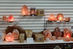 Edelstein Treasures in Amana 6-30-18 12 (anothertom) Tags: amanaiowa amanacolonies store edelsteintreasures thenoblestone lamps himalayanseasalt pinksalt saltrocklamps display shopping giftshop 2018 sonyrx100v