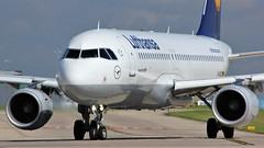 D-AIZX (AnDyMHoLdEn) Tags: lufthansagroup lufthansa a320 staralliance egcc airport manchester manchesterairport 23l