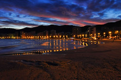 Night on the beach (C.Frayle) Tags: playa mar noche cielo nubes luces spain