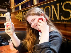 2018.04.29-16.45.28 (Pak T) Tags: kat ketchup nantucket nantucketisland panasoniclumixgxvario1235mmf28 phone restaurant
