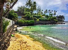 Black Point (jcc55883) Tags: blackpoint cromwellsbeach hawaii oahu shore shoreline beachscene ocean sky clouds pacificocean kahalaavenue kahala diamondheadroad luckywelivehawaii ipad papucircle