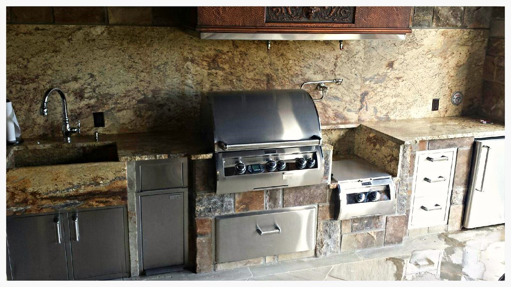 Custom Fire Magic Outdoor Kitchen, Appison, Tn.