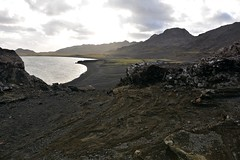 092915-291F (kzzzkc) Tags: nikon d7100 iceland southwesterniceland black volcanic rock lava lake dark gravel day cloudy