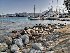il porto (silvia07(very busy)) Tags: porto harbour port barche ships boats sea mare sassi sabbia sand banchina