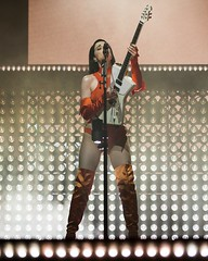 "St Vincent - VIDA Festival 2018 - Viernes - 2 - M63C970 • <a style=""font-size:0.8em;"" href=""http://www.flickr.com/photos/10290099@N07/28277316477/"" target=""_blank"">View on Flickr</a>"