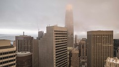 Salesforce Fog Time Lapse (Michael.Lee.Pics.NYC) Tags: sanfrancisco salesforcetower fog video timelapse twilight aerial hotelview loewsregency architecture cityscape skyline baybridge financialdistrict sony a7rm2 zeissloxia21mmf28