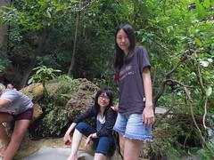 IMGP1997 (陳竹 / bamboo / Baipaii) Tags: thailand kanchanaburi waterfall erawanwaterfall onedaytrip pentaxq7 thammasat exchangestudent