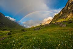 Colores de la primavera (Pablo Moreno Moral) Tags: rainbow arcoiris mountain montaña light luz atardecer sunset spring primavera valle izas ngc