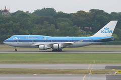 PH-BFW, Singapore Changi, June 24th 2004 (Southsea_Matt) Tags: phbfw boeing 747406 msn30454 klm royaldutchairlines wsss sin singaporechangi singapore canon 10d 100400mm june 2004 summer airport aviation aircraft