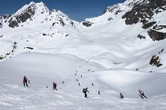 Parcours de la Rosablanche jusqu au col de la Chaux (Patrouille des Glaciers) Tags: pdg alpinisme course neige printemps ski spectateurs verbiert valais suisse ch 2018 patrouille des glaciers