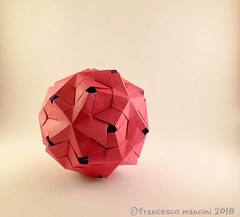 Hidden (mancinerie) Tags: origami modularorigami mancinerie francescomancini paperfolding pentagon papiroflexia