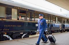 Unterwegs mit dem Orient-Express (neuhold.photography) Tags: orientexpress vsoe luxuszug luxus reise tourismus event europa eisenbahn verkehr prag tschechien bahnhof bahnsteig