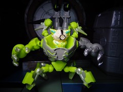 Brain Strain (ridureyu1) Tags: ready2robot robot mecha mech pilot toy toys actionfigure toyphotography sonycybershotsonycybershotdscw690