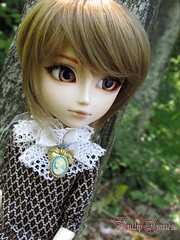 She's Always In My Mind... (Little Queen Gaou) Tags: love photography photographie woods bois forest forêt gentleman gentilhomme doll groove taeyang story beautiful
