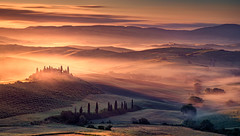 breathe (shutterbug_uk2012) Tags: italy val dorcia san tuscany sunrise valley mist belvedere cypress trees farmhouse colours nikon d810 hills light layers warm golden dawn nd grads ehir quirico 3